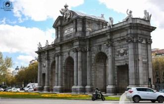 Puerta de Alcalá em o que fazer em Madri Espanha