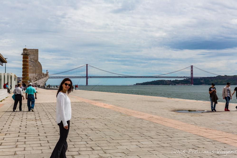 Ponte 25 de Abril sobre o Rio Tejo em Lisboa Portugal