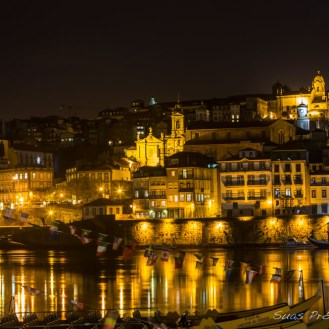 Vista de Porto à Noite