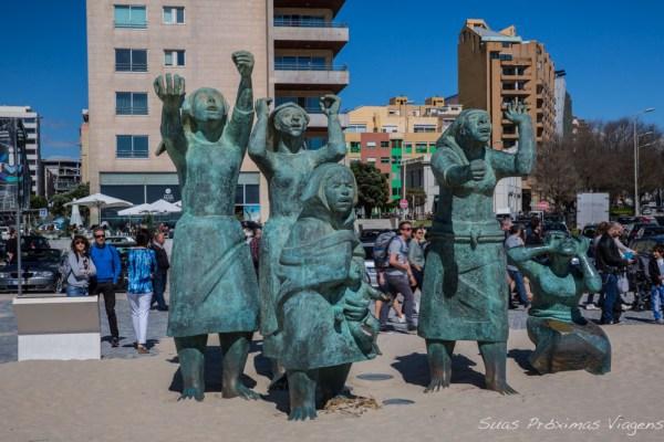 Estátua Tragédia do Mar em Matosinhos região do Porto