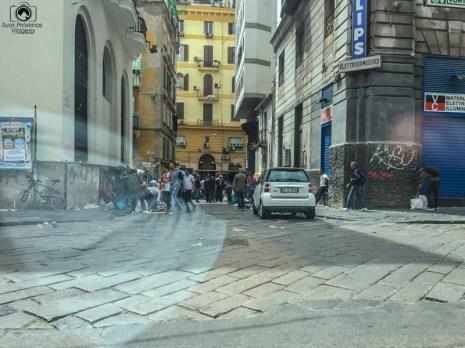 Imagem de uma rua de Nápolis