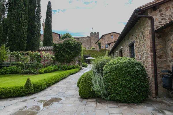 Vista do Castelo de Banfi, uma das Vinícolas da Toscana Italia