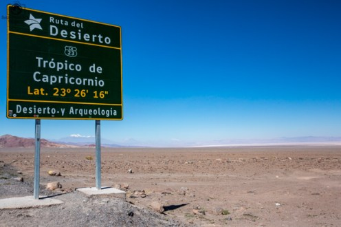 Trópico de Capricórnio na Ruta 23 no Deserto do Atacama