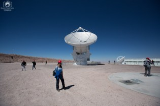 Antena Radiotelescópica no Projeto ALMA no Deserto do Atacama
