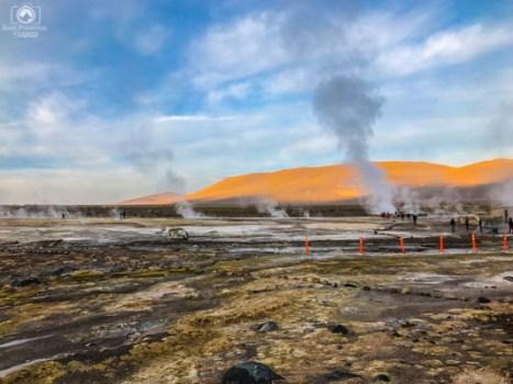 Geysers del Tatio após o amanhecer no Atacama