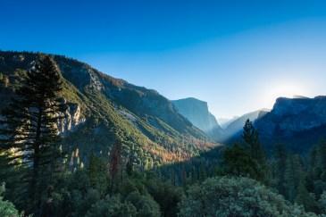 Vista do El Capitan ao amanhecer no Parque Nacional Yosemite