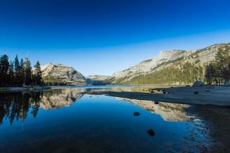 Golden Hour no Tenaya Lake no Parque Yosemite