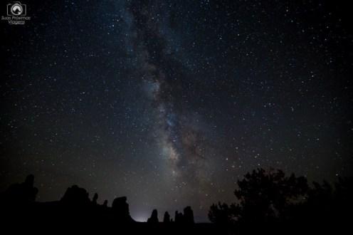 Via Láctea vista do Parque Nacional Arches