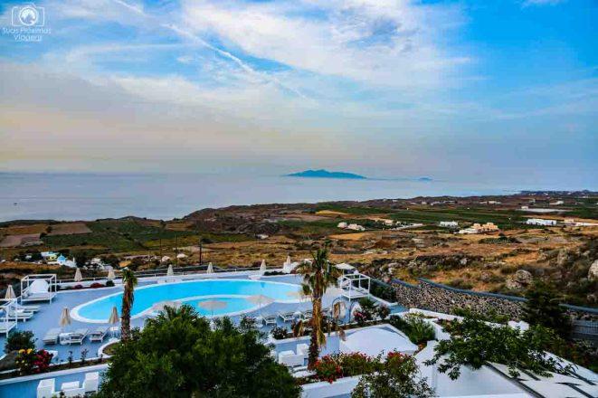 Amber Light Villas ao amanhecer em Santorini