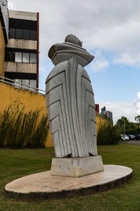Escultura em homenagem à Escola em Joinville
