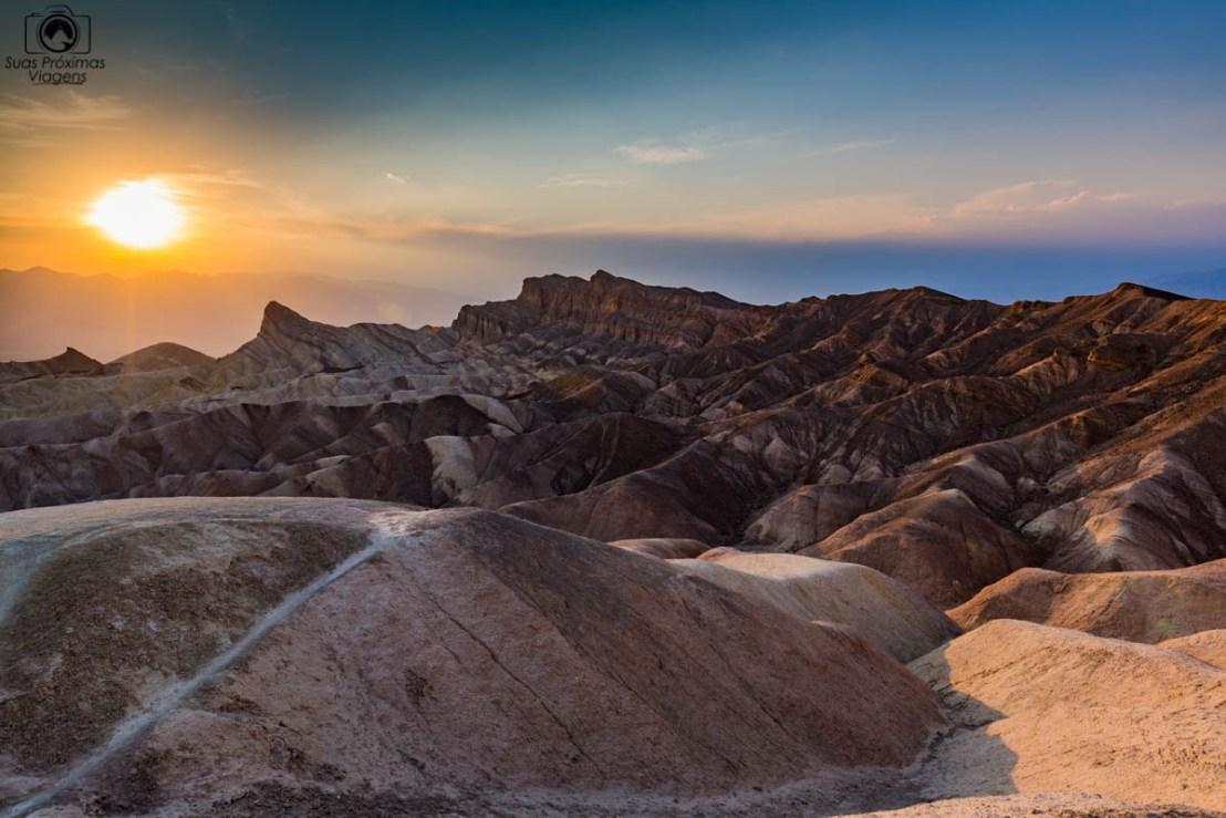 Entardecer no Zabriskie Point no Death Valley, um dos Parques Nacionais