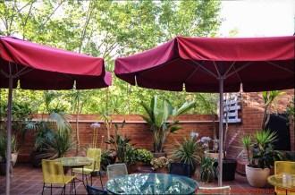 Área externa do hotel Sant Angelo em Onde se hospedar em Barcelona