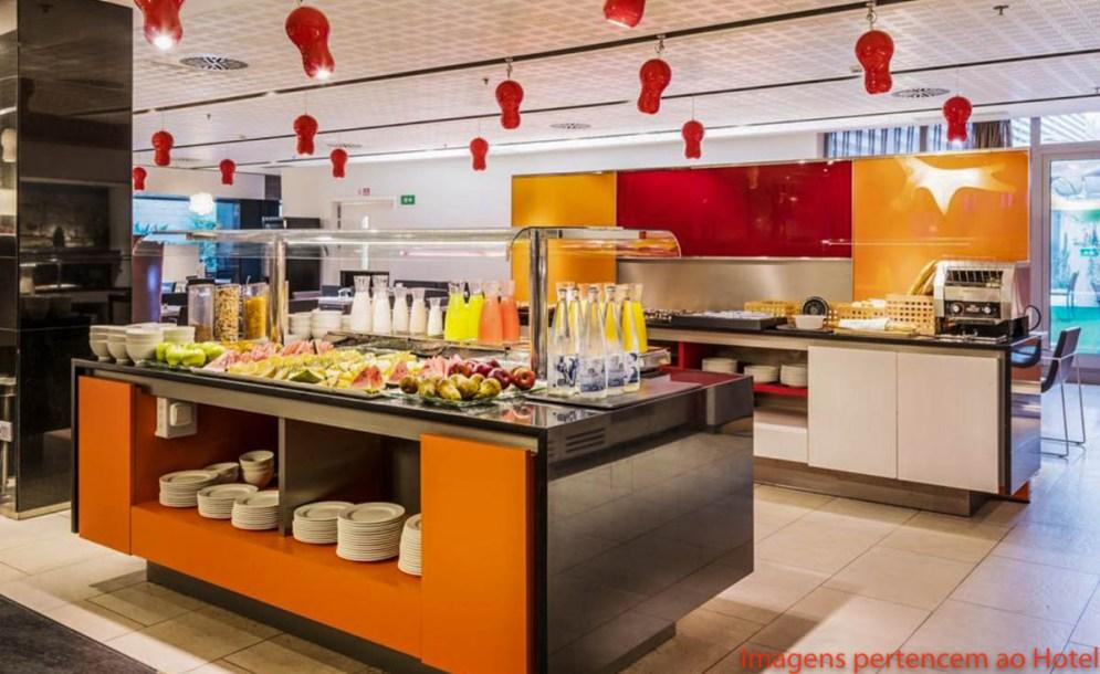 Buffet Café da Manhã no Ilunion em onde se hospedar em Barcelona
