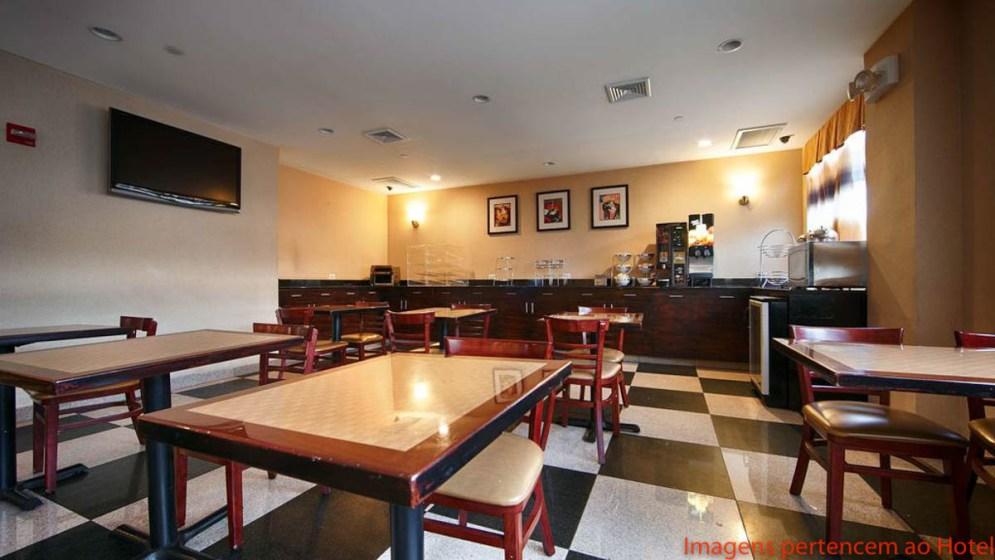 Área do Café do Best Western em onde se hospedar em Nova York