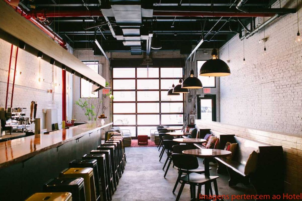 Café / Bar no The Local Hostel NYC em Onde Se Hospedar em Nova York