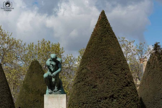 O Pensador de Rodin em O Que Fazer em Paris II