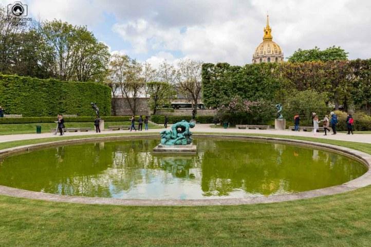 Escultura atrás do Museu de Rodin em O Que Fazer em Paris