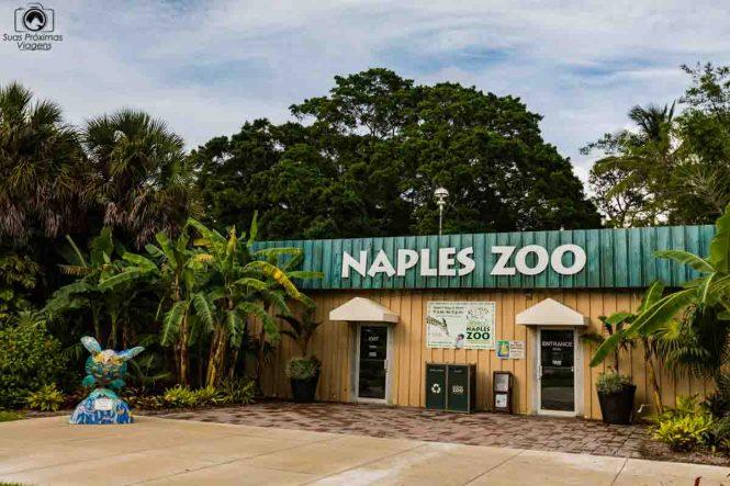 Entrada do Zoo de Naples
