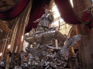 Escultura da São Vito na Catedral