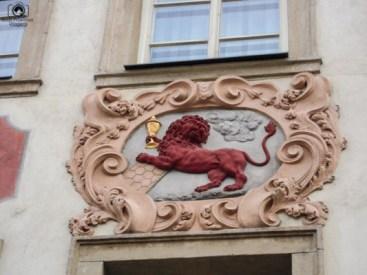 Identificação das Casas do Leão Vermelho em Praga