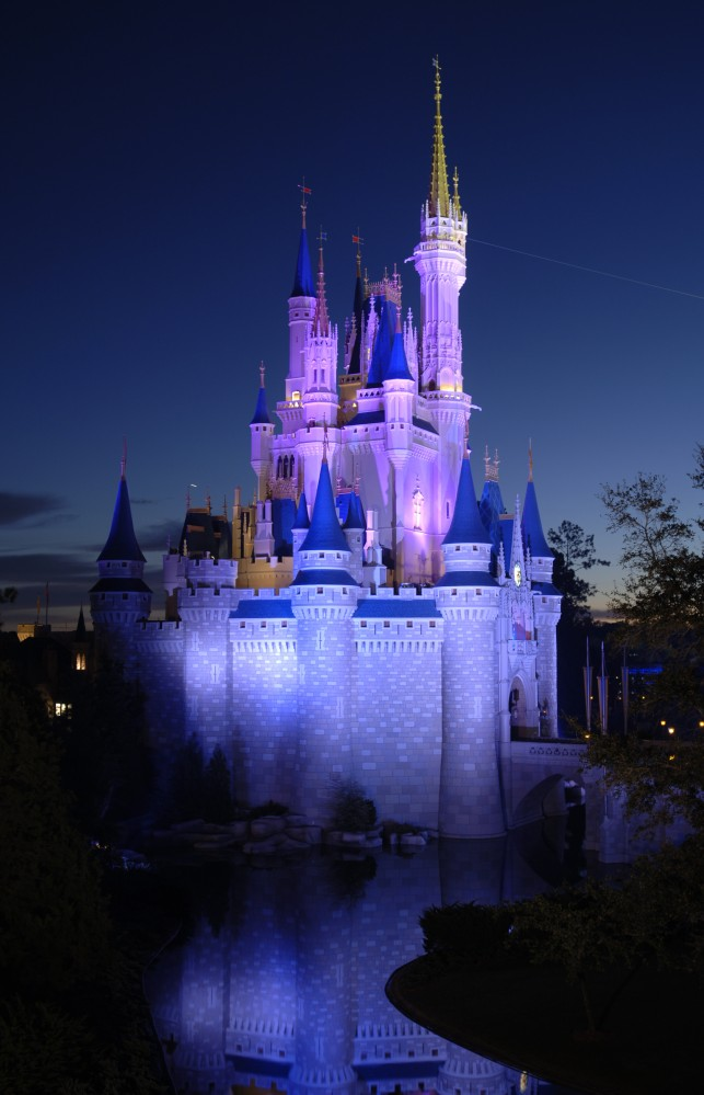 Castelo da Cinderella no Magic Kingdom ( imagem pertence a Disney )