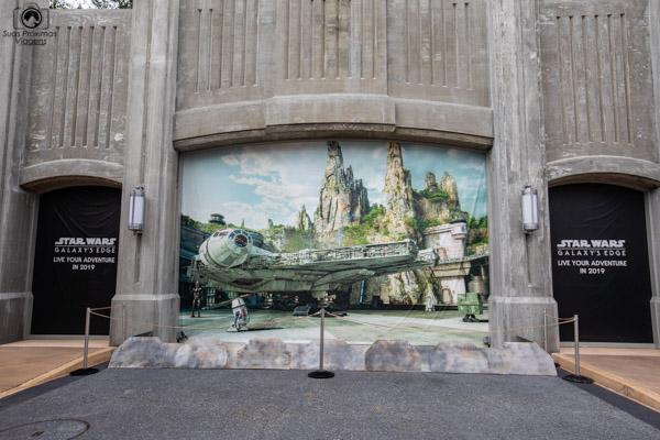 """STAR WARS """"Criando o clima para Inauguração em 2019"""" nos parques da Disney"""