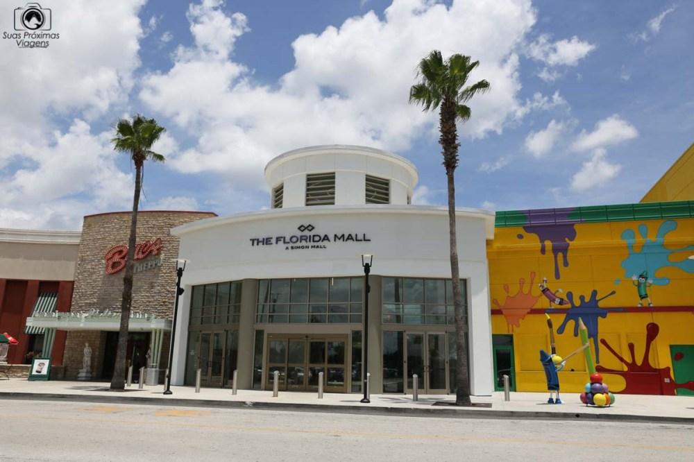 Uma das entradas do Florida Mall em o que fazer em Parques Orlando