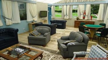 Imagem do Lounge com TV e Jogos na Pousada Nacional Inn em Onde ficar em Campos