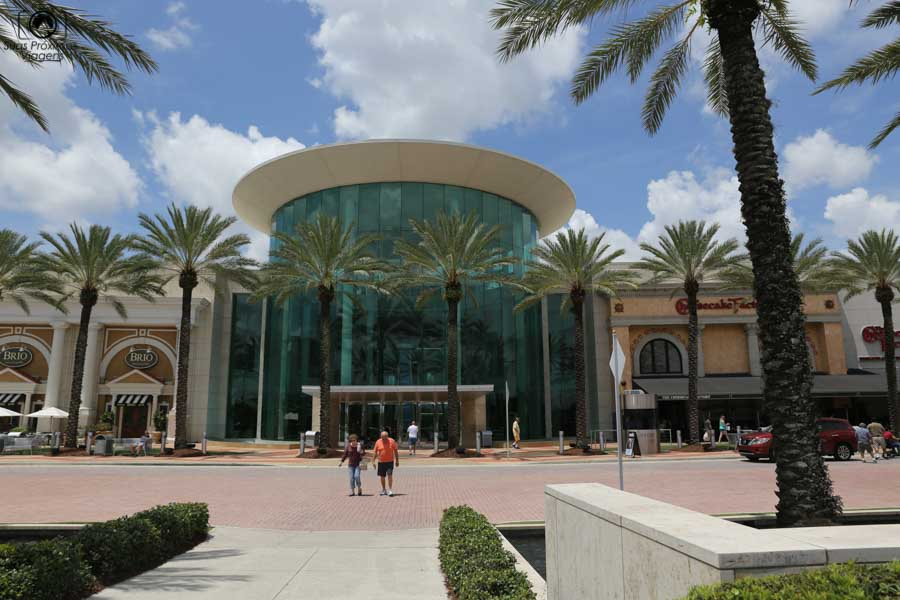 Foto da Entrada do The Millenia Mall em compras em Orlando