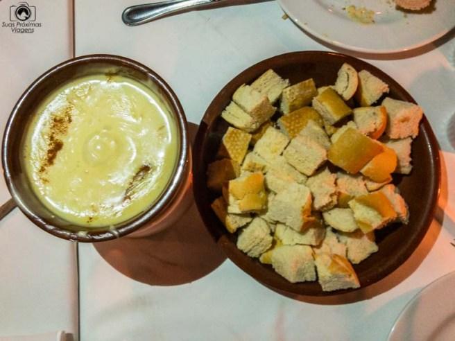 Imagem do Fondue de Queijo no La Coupole em Restaurantes de Campos do Jordão