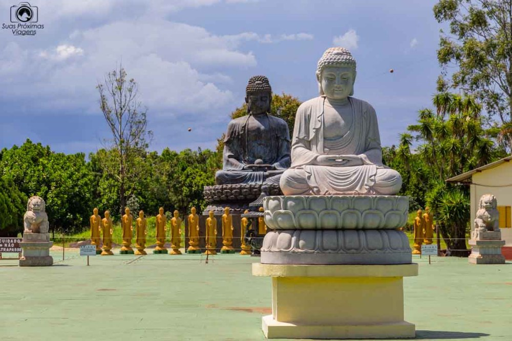 Imagem dos Budas no Templo Budista em Foz do Iguaçu