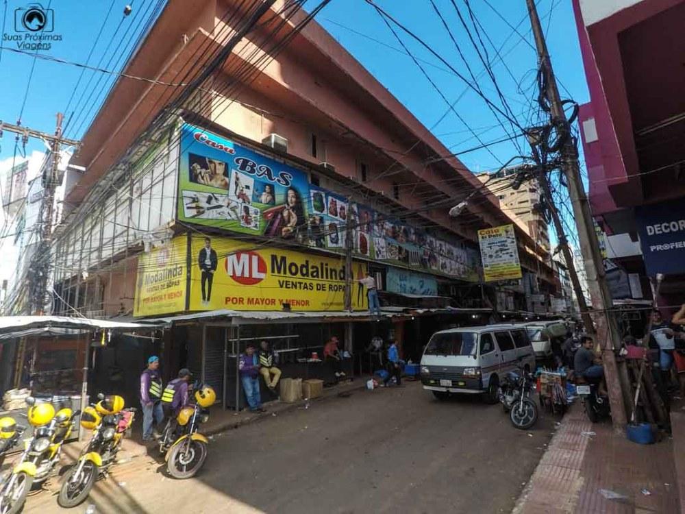 Vista do Comércio de rua em Ciudad del Este, em Compras no Paraguai