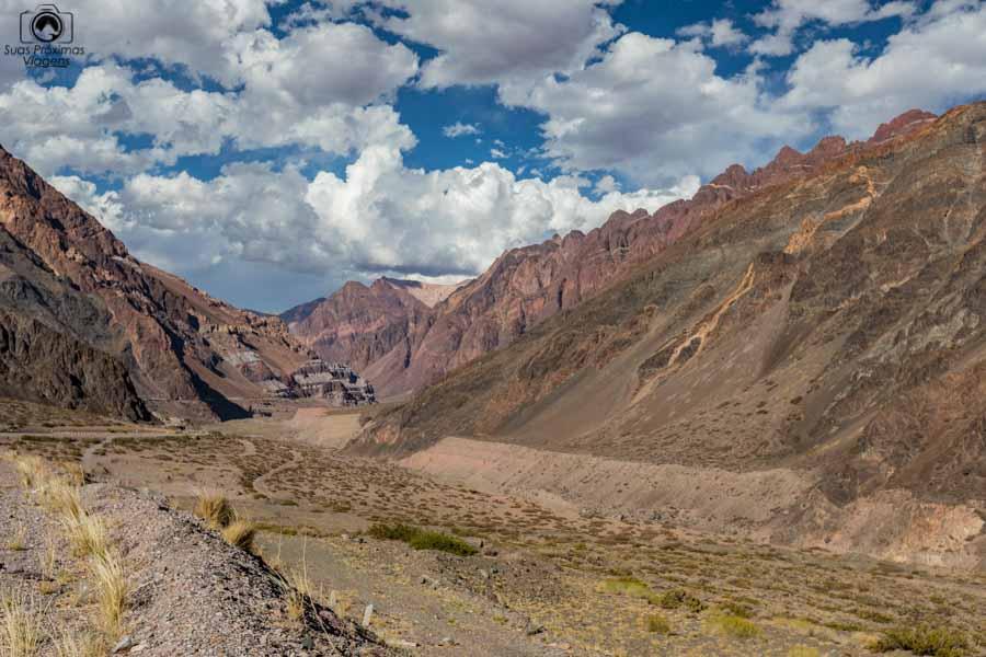 Foto da estrada entre Mendoza e Santiago