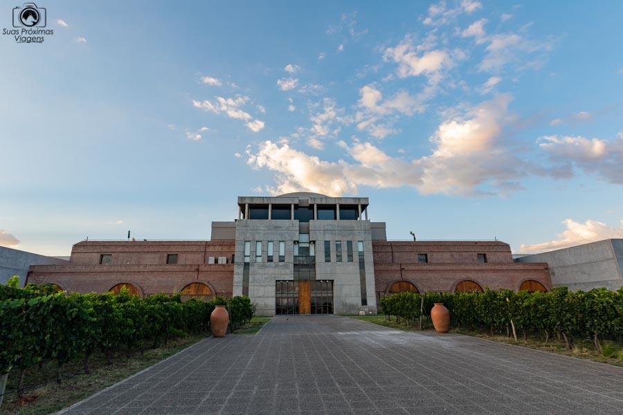 Imagem da entrada da vinícola Monteviejo em Mendoza