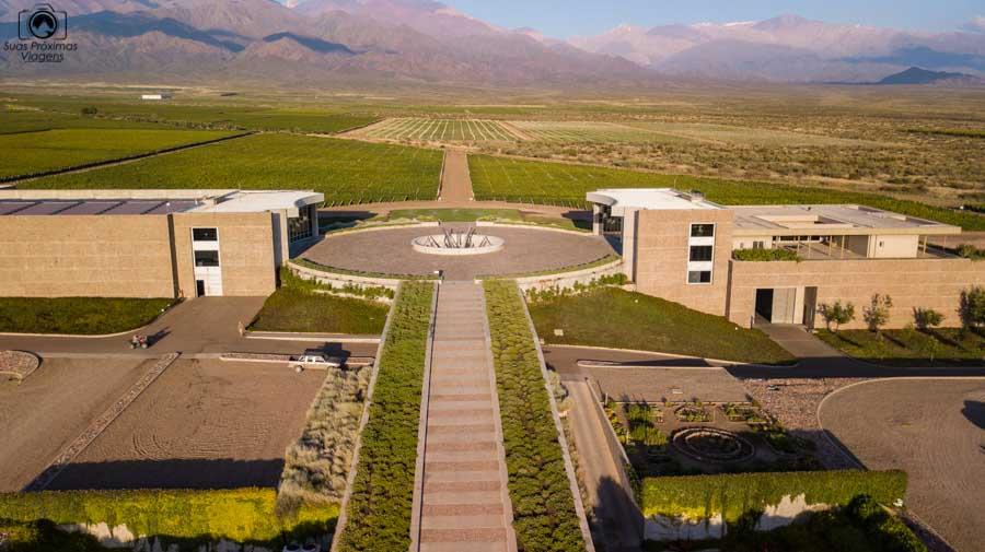 Imagem aérea da Bodega DiamAndes na Clos de Los Siete