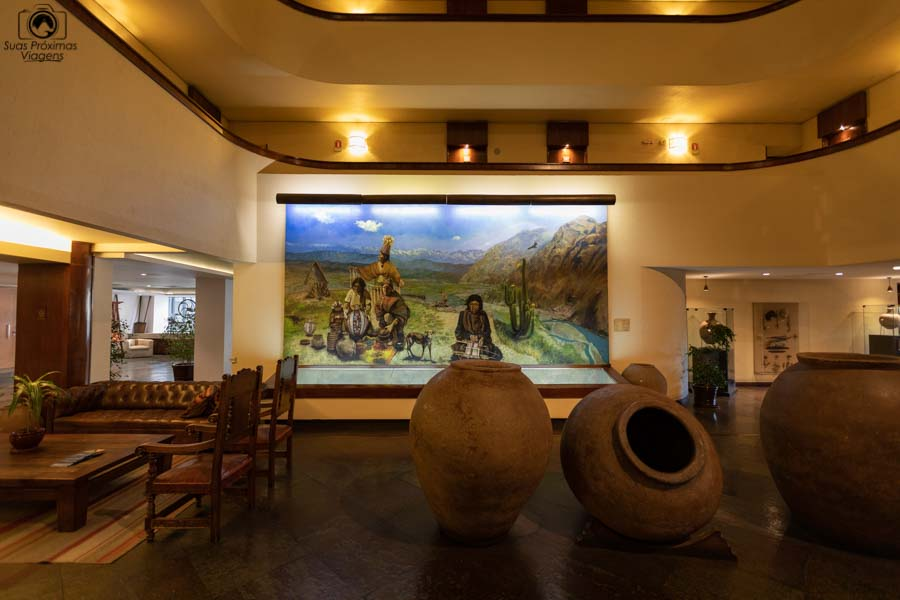 Imagem do interior do Hotel Galerias em Santiago