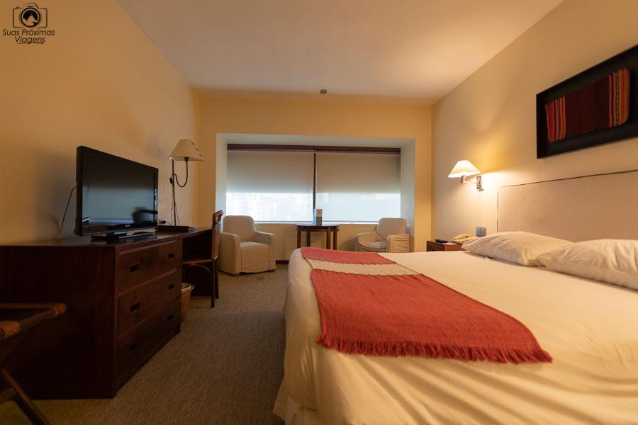 Imagem do quarto do Hotel Galerias em Santiago