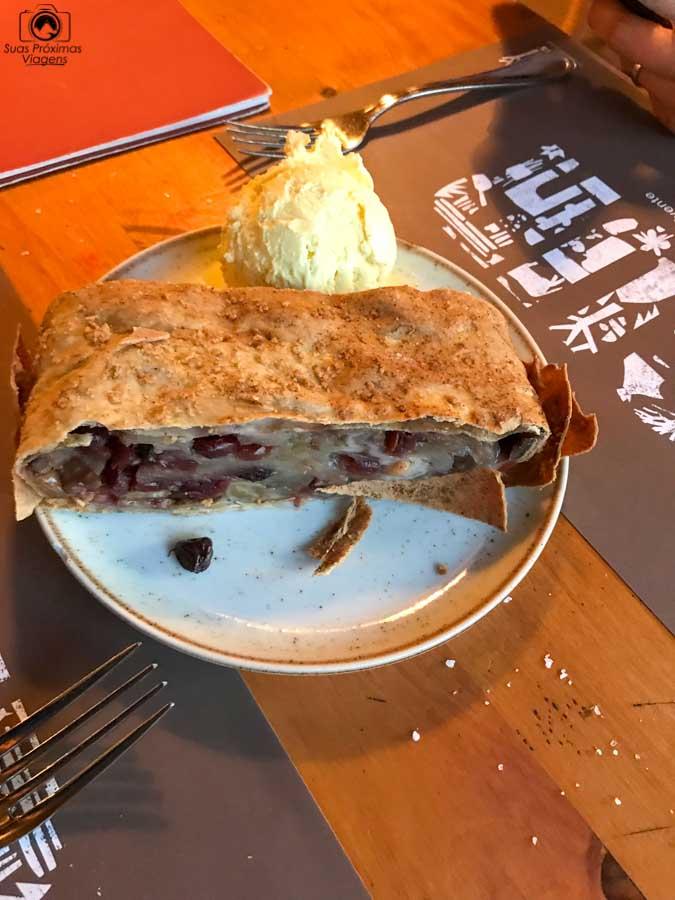 imagem da sobremesa no restaurante Cassis