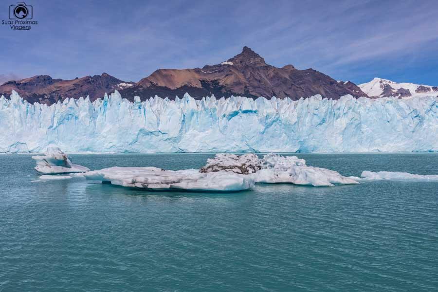 Imagem de um iceberg do Glaciar Perito Moreno durante navegação com a Southern Spirit