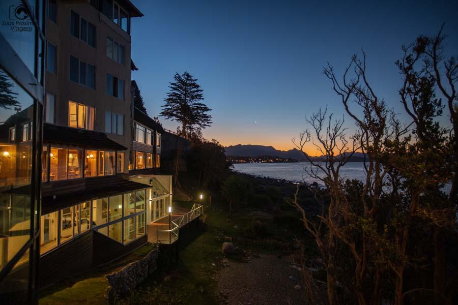 imagem do hotel à beira do lago Nahuel Huapi