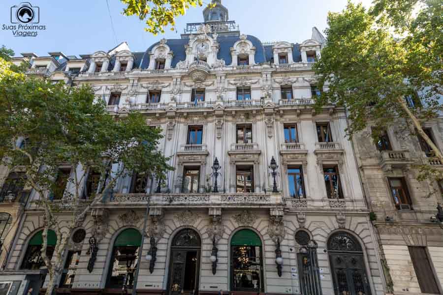 imagem das contruções com arquitetura europeia em Buenos Aires