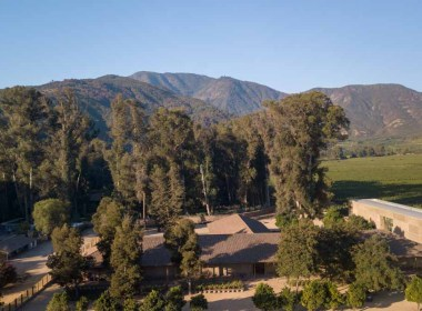 Vista aerea da Viña Neyen no Chile