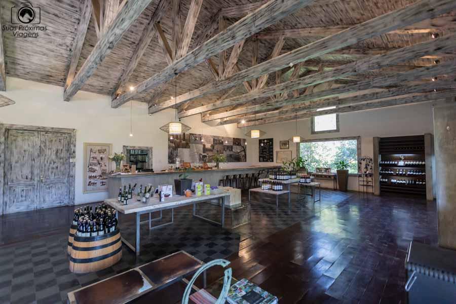 imagem da loja do interior da vinícola Casa Silva