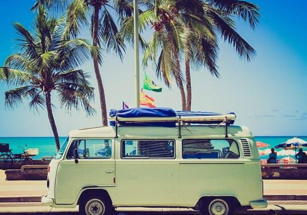 Brasileiros voltam cuidadosamente ao prazer de viajar