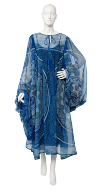 Kaftan, above ankle length, with full long sleeves and neck tie closure; made from eight circles of the Knitted Circle print.