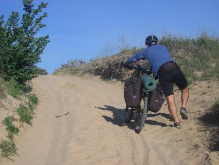 Jorge en los arenales camino a Montearagón