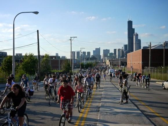 Cyclists congregate en-mass