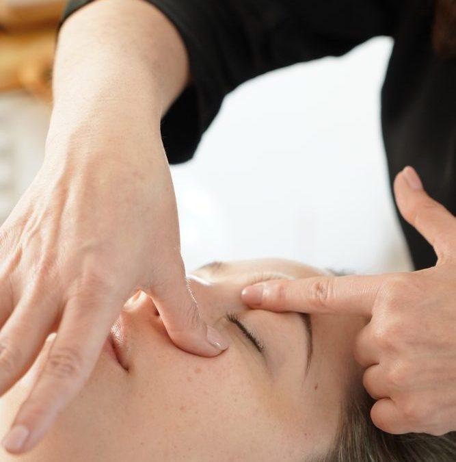 La importancia del masaje y automasaje facial