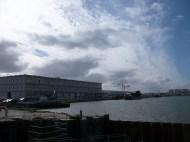 Le quai Armand Lalande et le hangar G2.