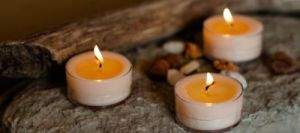 tealight-soy-candles-on-rock